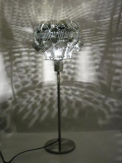 "VENDUE LAMPE ""LYS"""